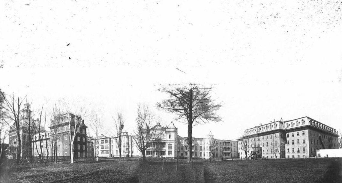 asile-saint-michel-archange-vers-1905-anonyme-fonds-les-soeurs-de-la-charitc3a9-de-quc3a9bec-p910s3d4p41-banq